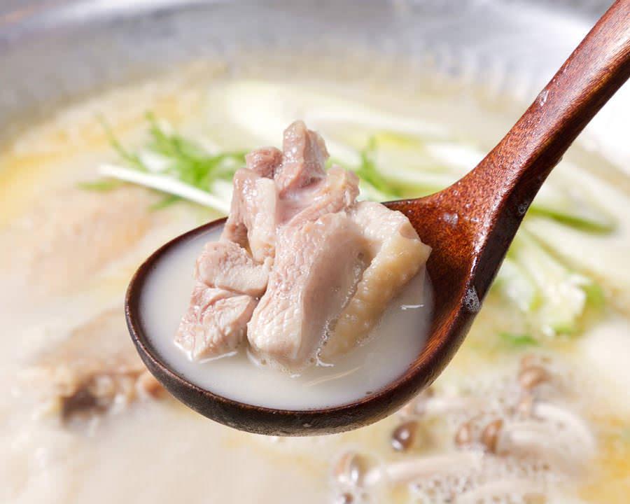 とりいちず酒場 田町慶応仲通り店で味わえるコラーゲンたっぷり鍋